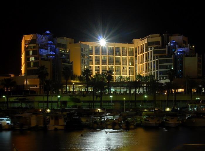 Hotel (naprotiv nashego)