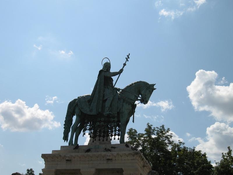 Памятник ))))  кому тоооо    ))
