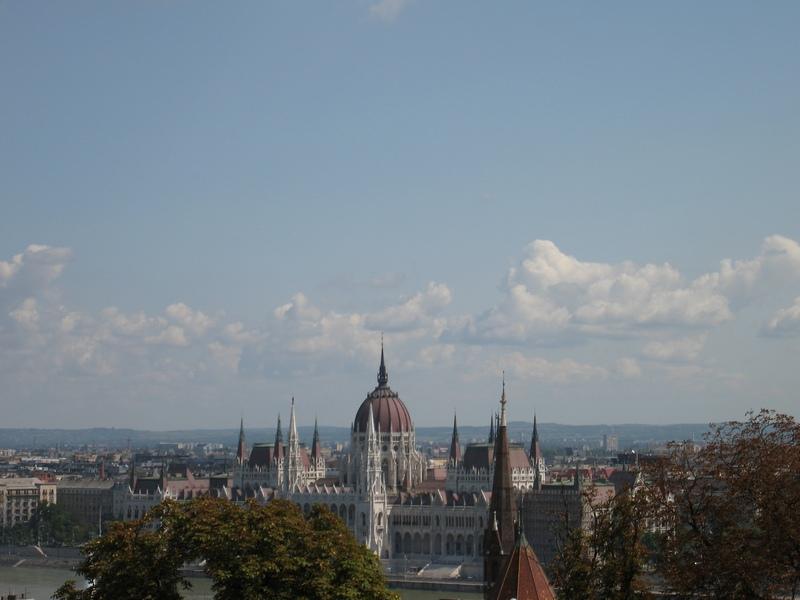 Парламент с противоположного берега Дуная