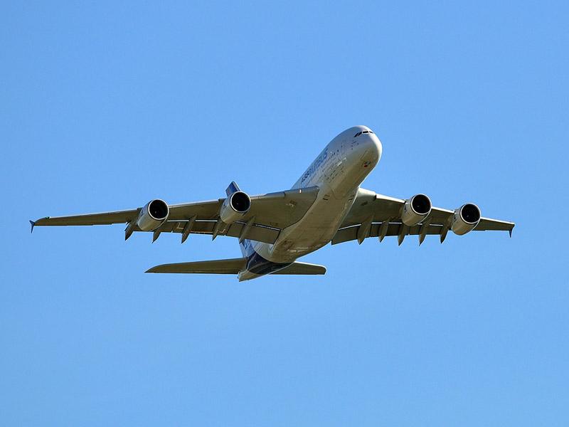 Аэробус А-380 в полёте. МАКС-2013. Авиашоу 87.