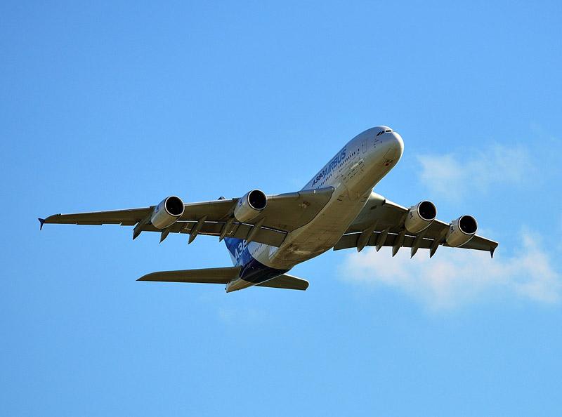 Аэробус А-380 в полёте. МАКС-2013. Авиашоу 84.