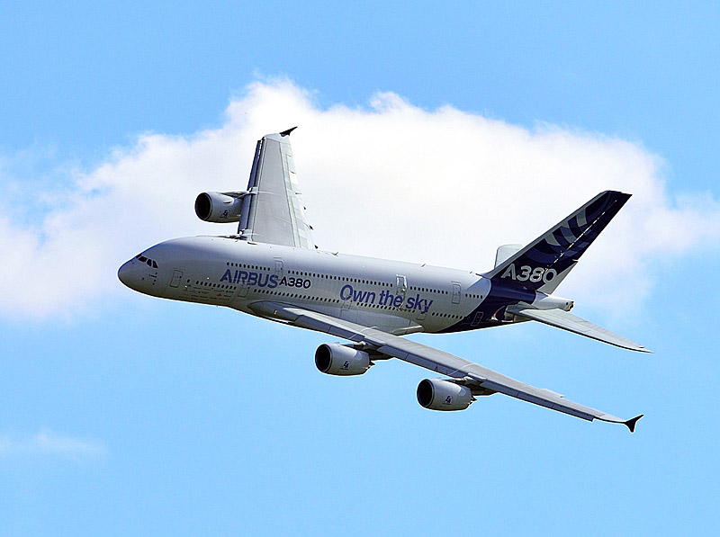 Аэробус А-380 в полёте. МАКС-2013. Авиашоу 85.