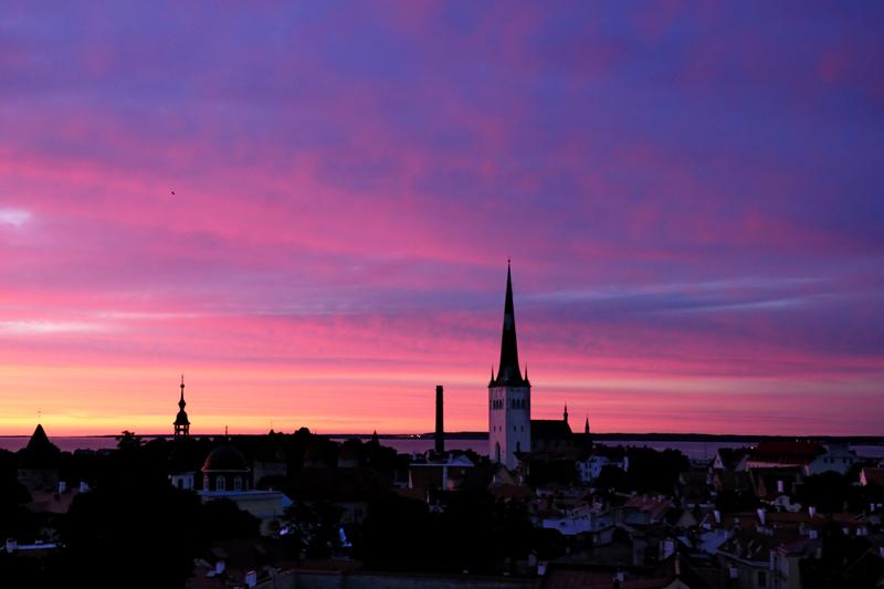 Таллинн ночью.