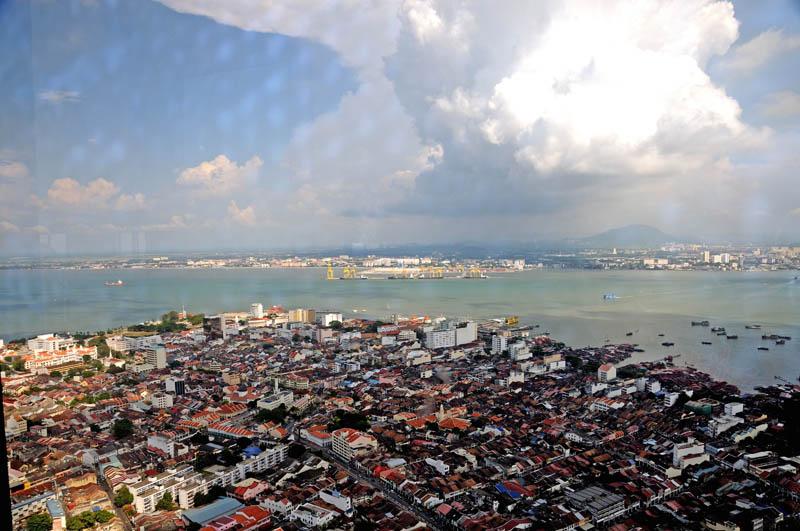 Пенанг. Вид с башни Комтар. Penang from the Comtar.