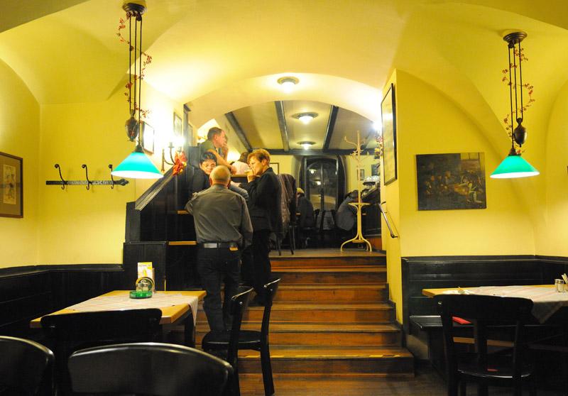 Вена. Пивной ресторан Бирклиник. Gosser Bierklinik. 8