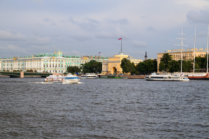 Санкт-Петербург. Дворцовый мост, Зимний дворец, Адмиралтейство.