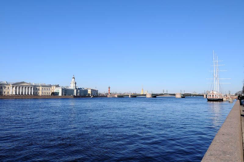 Санкт-Петербург. Вид на В.О. от памятника Петру I. 16.