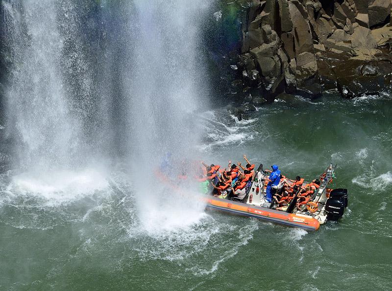 Водопады Игуасу. Тур на лодке. Brasil. Iguacu Falls. Boat Trip. 7