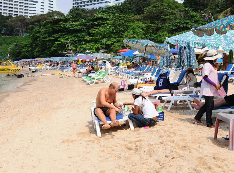 Паттайя. Кози Бич. Продавцы на пляже. Pattaya. 37