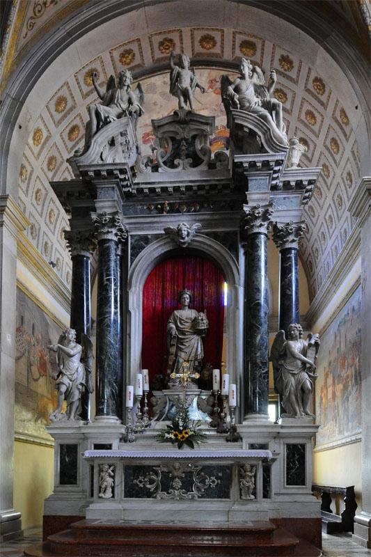 Фото 45. Ровинь. Статуя Св. Эуфемии.