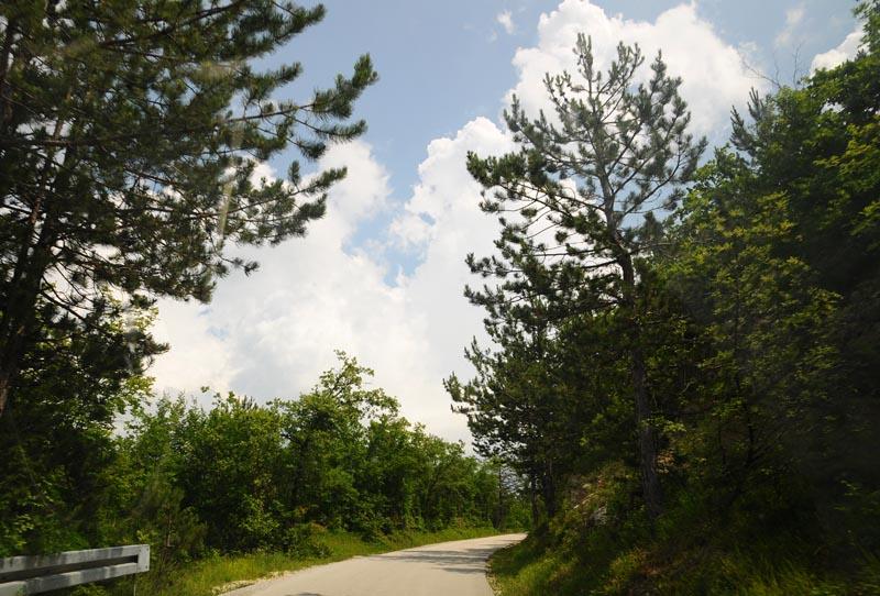 Фото 1. Дорога в Хум. Hum