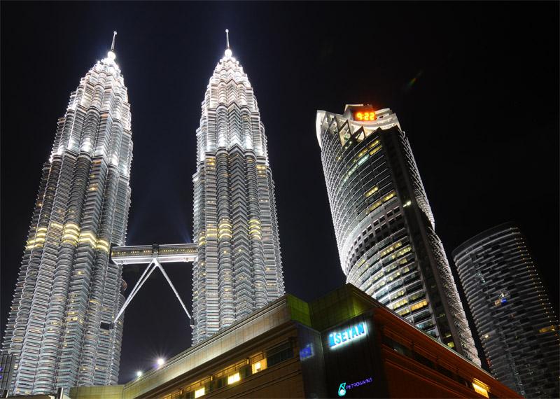 Петронасы ночью. Night Petronas. 13