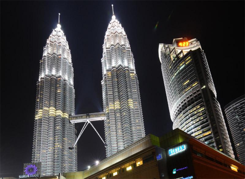 Петронасы ночью. Night Petronas. 11