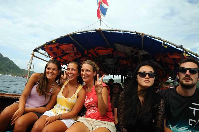 Пи-Пи Дон - Пи-Пи Ле. На лодке. 32
