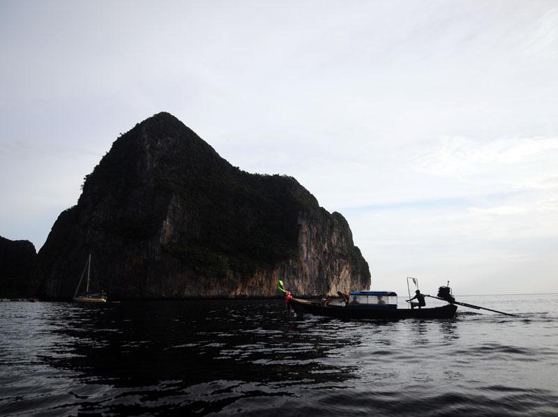 Пи-Пи Ле. Идём на лодке с острова Пи-Пи Дон. 157