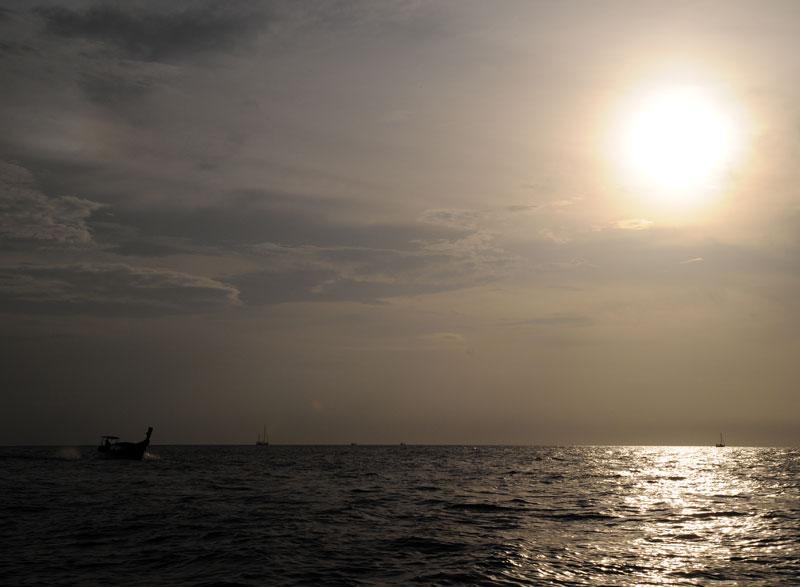 Пи-Пи Ле. Идём на лодке с острова Пи-Пи Дон. 173