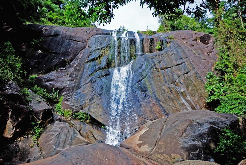 Лангкави. Водопад Семь родников. Langkawi. Waterfall Seven Wells.