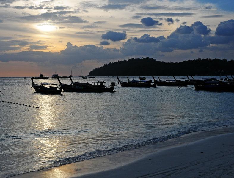 Ко Липе. Пляж Паттайя на закате. 95