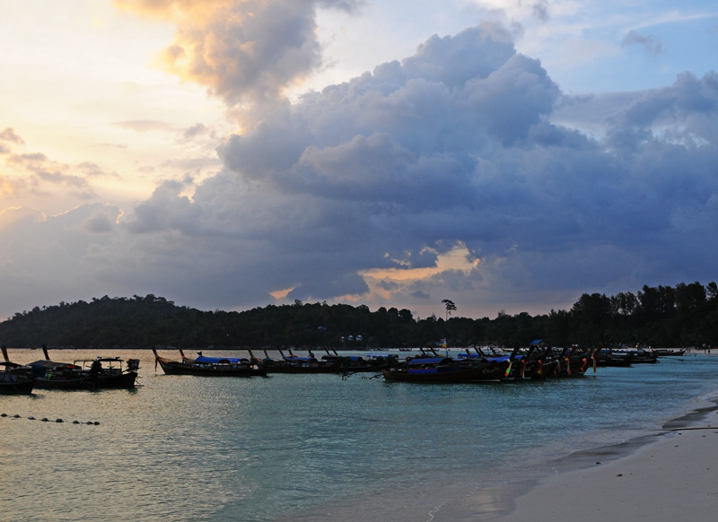 Ко Липе. Пляж Паттайя на закате. 102