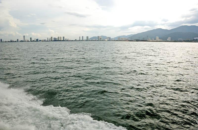 Пенанг. Вид с моря. Penang. View from the Sea.