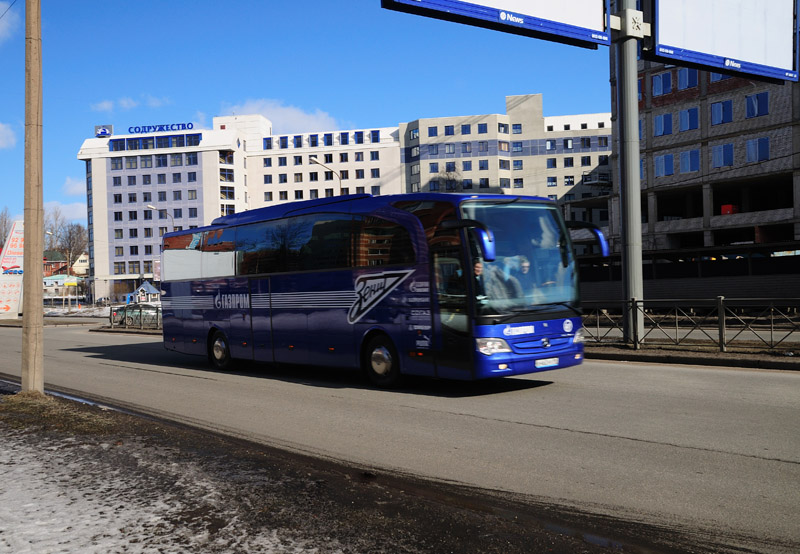 Питер. Зенитовский автобус.