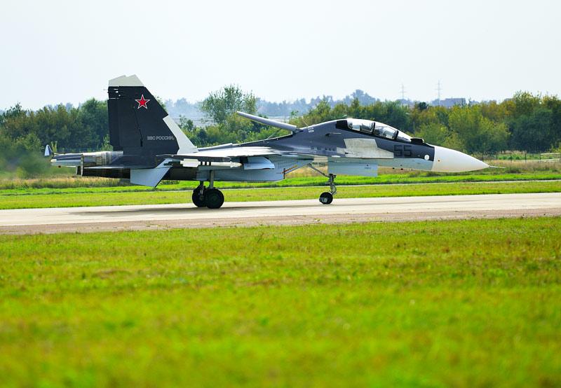 Су-30СМ. Посадка. Авиашоу 51.