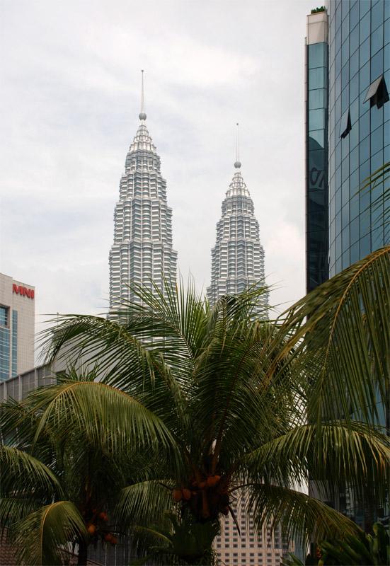 Петронасы. Вид из отеля Crowne Plaza. Petronas. 17