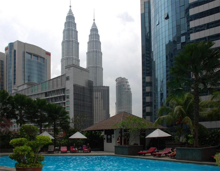 Петронасы. Вид из отеля Crowne Plaza. Petronas. 16
