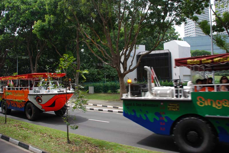 Сингапур. Экскурсия на амфибии. Ыштпфзщкую Duck Tours.