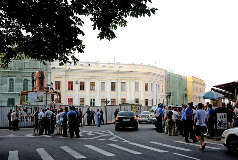 Одесса. Установка памятника Екатерине II. Odessa.