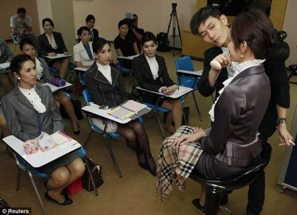 Таиланд. Стюардессы-транссексуалы. 3